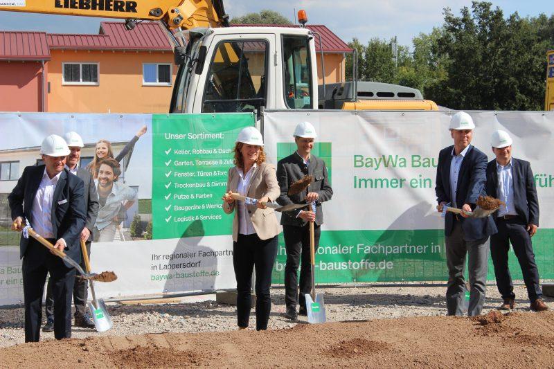 Alles neu an bekannter Stelle Spatenstich in Lappersdorf: BayWa investiert 4,5 Mio. Euro in neuen Baustoff-Fachhandel