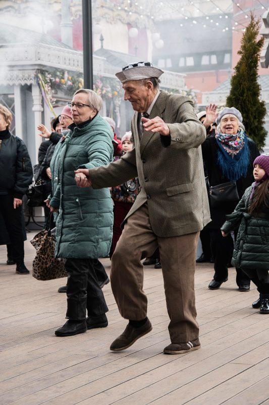 Wer rastet, der rostet Mit regelmäßigem Balance- und Krafttraining Stürzen im Alter vorbeugen