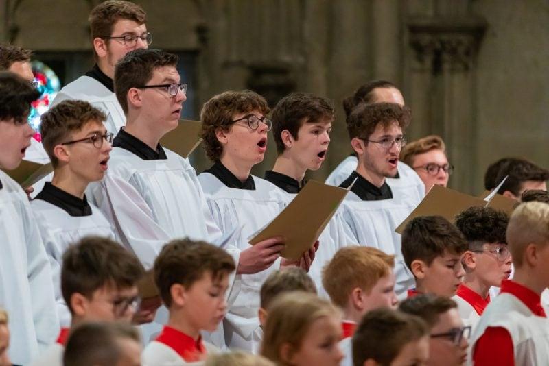 Domspatzen kehren zurück in den Regensburger Dom St. Peter Nach fast sechs Monaten Auftrittspause infolge der Corona-Beschränkungen ist die Freude nicht nur bei den Sängern groß.
