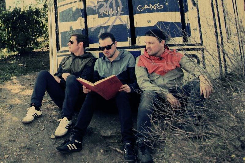 """Nummer 1 Single für die Regensburger Band """"Poploader"""" """"Summerboy Blues"""" stieg von 0 auf 1 in die Indie-Charts Österreich ein"""