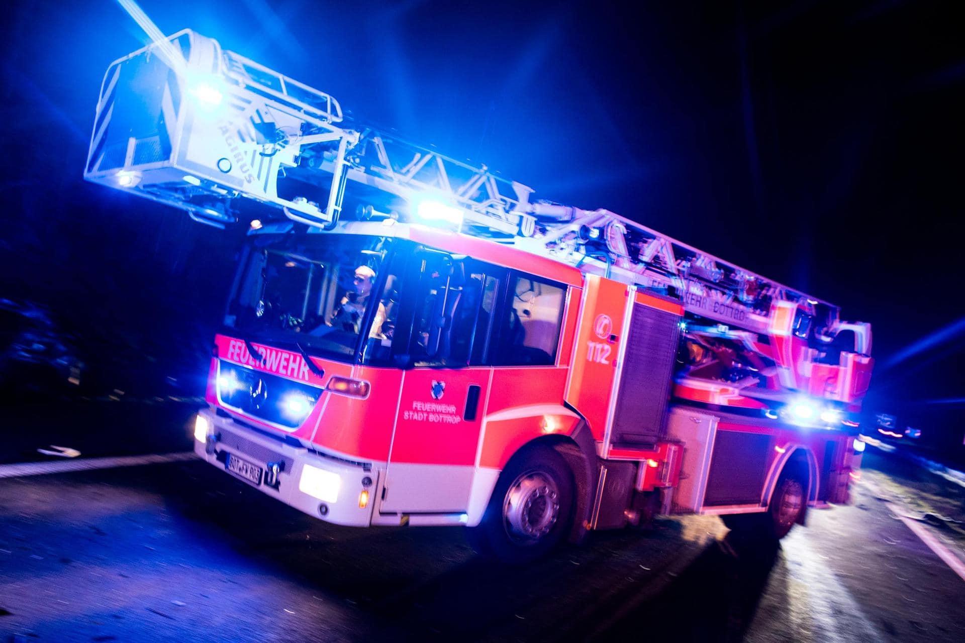 80-Jährige stirbt bei Hausbrand 83-jähriger Mann leichte Rauchgasvergiftung