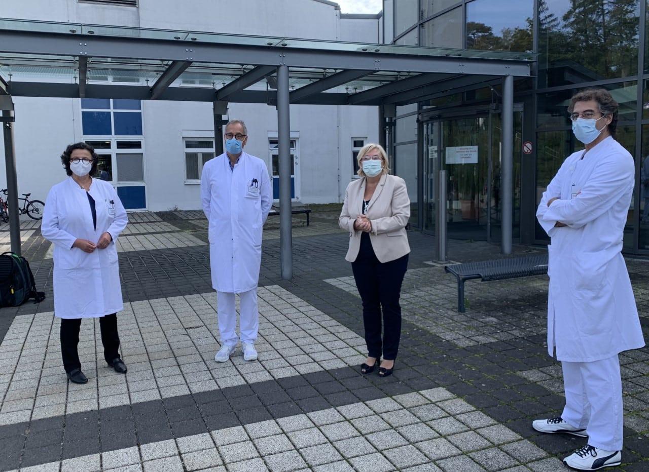 Gratulation an Klinik Donaustauf Förderung einer neuen Intensivstation von großer Bedeutung für die Region