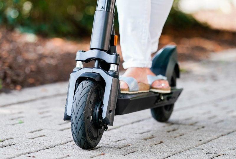 Ein Viertel der E-Scooter-Nutzer kennt Promillegrenze nicht Umfrage zeigt Wissenslücken
