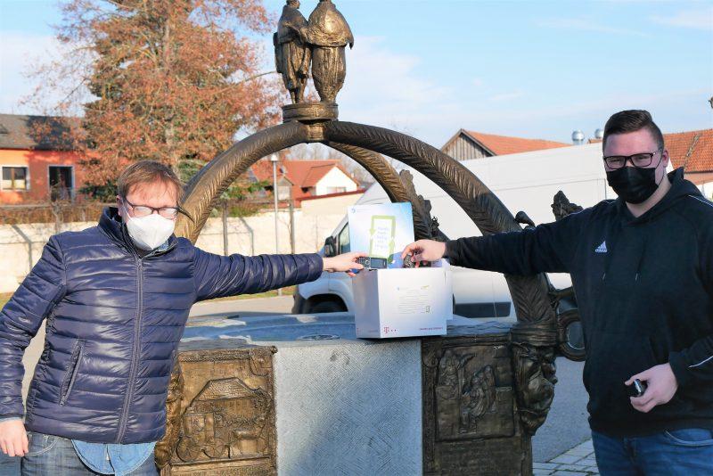 Alte Handys für den guten Zweck Katholische Landjugendbewegung Unterheising-Sarching startet Sammelaktion