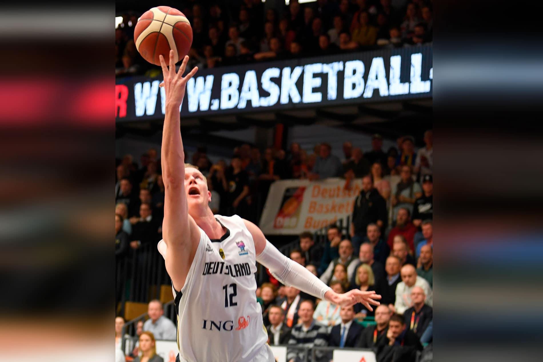 Basketballer reisen zur EM-Qualifikation nach Frankreich Nationalmannschaft