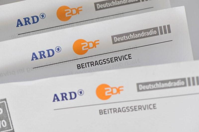 Landtag stimmt nach kontroverser Debatte für höhere Rundfunkgebühren Sächsischer Landtag hat höheren Rundfunkgebühren zugestimmt
