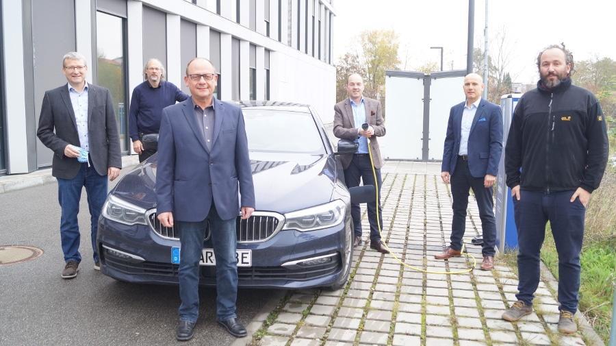 """Netzwerk """"IntelliZell"""" revolutioniert Energienetz Weiterer Meilenstein im E-Mobilitätscluster Regensburg"""