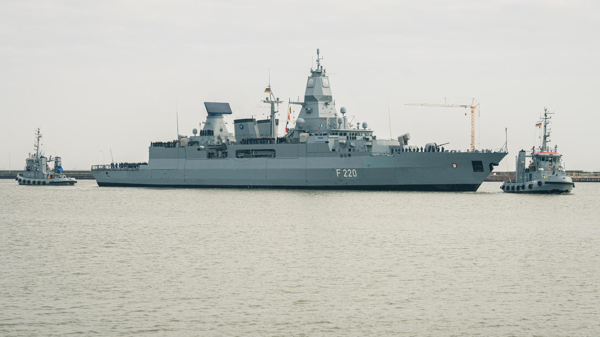 Kramp-Karrenbauer verteidigt Bundeswehr-Kontrolle vor Libyen Einsatz gegen Waffenschmuggel