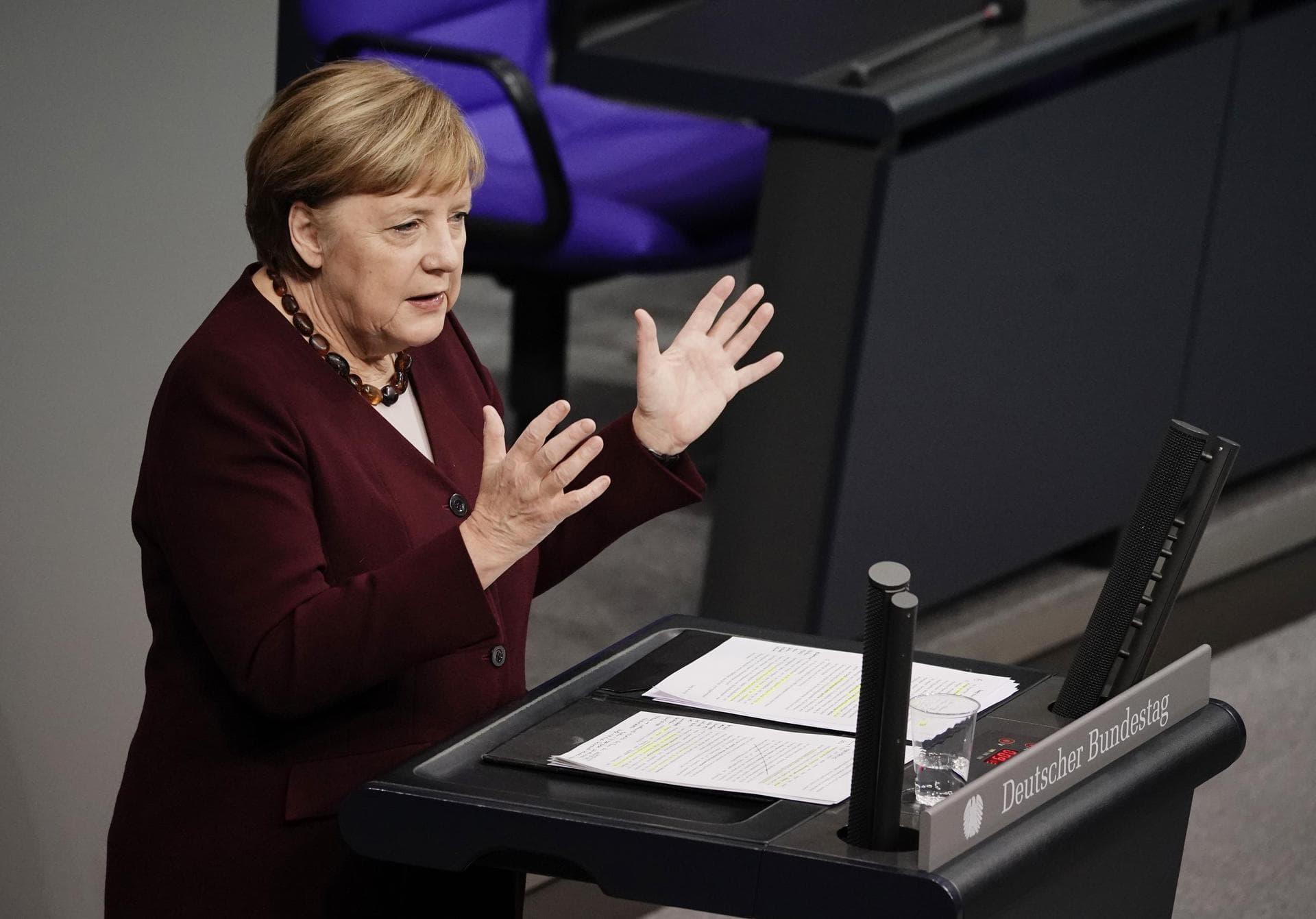 Merkel beschwört Solidarität im Kampf gegen Corona-Pandemie Kritik an neuen Beschlüssen