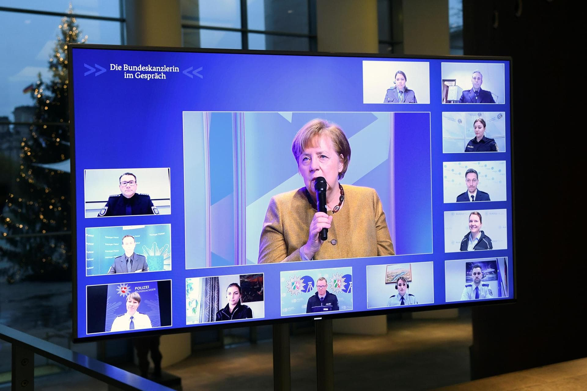 Polizisten wünschen sich klare Corona-Regeln Online-Gespräch mit Merkel