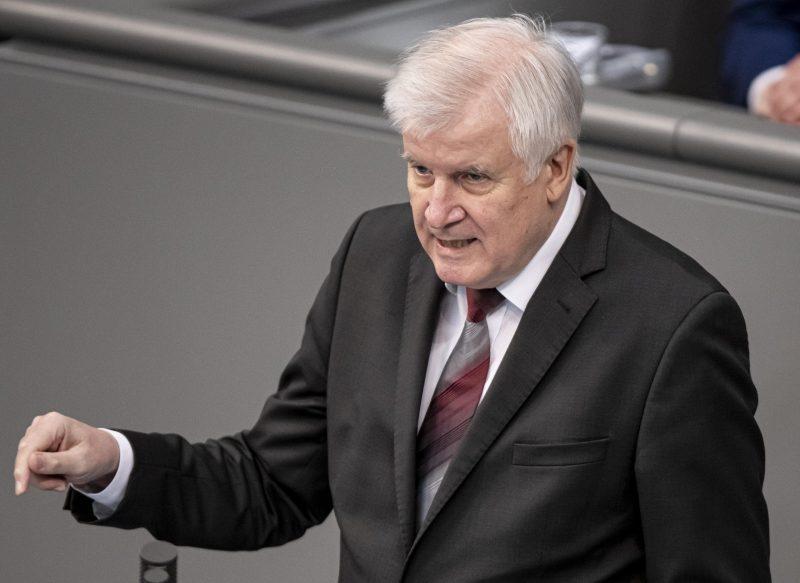 Seehofer mahnt zur Besonnenheit nach Anschlägen Ermittlungen in Wien