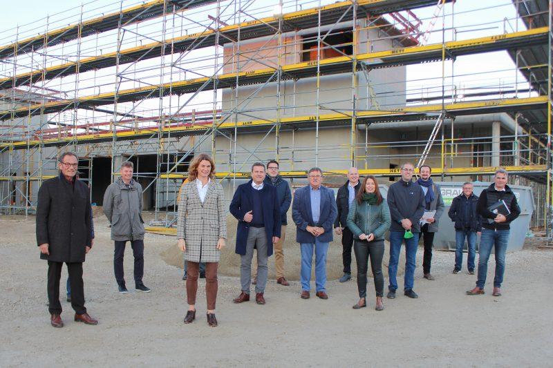 Ein erster Blick auf den neuen Kreisbauhof Ein Meilenstein in der Baugeschichte des Landkreises Regensburg nimmt konkrete Formen an.