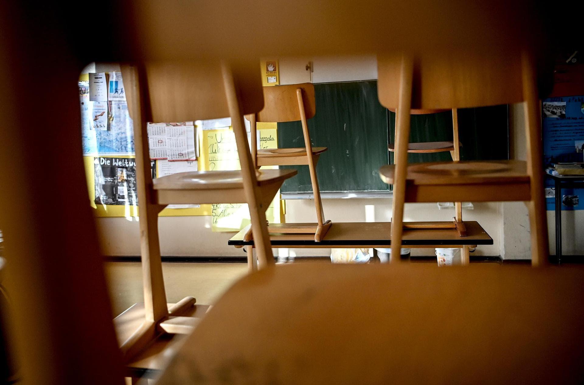 Bildungsminister stellen sich auf Schließung von Schulen ein Treffen am Wochenende geplant