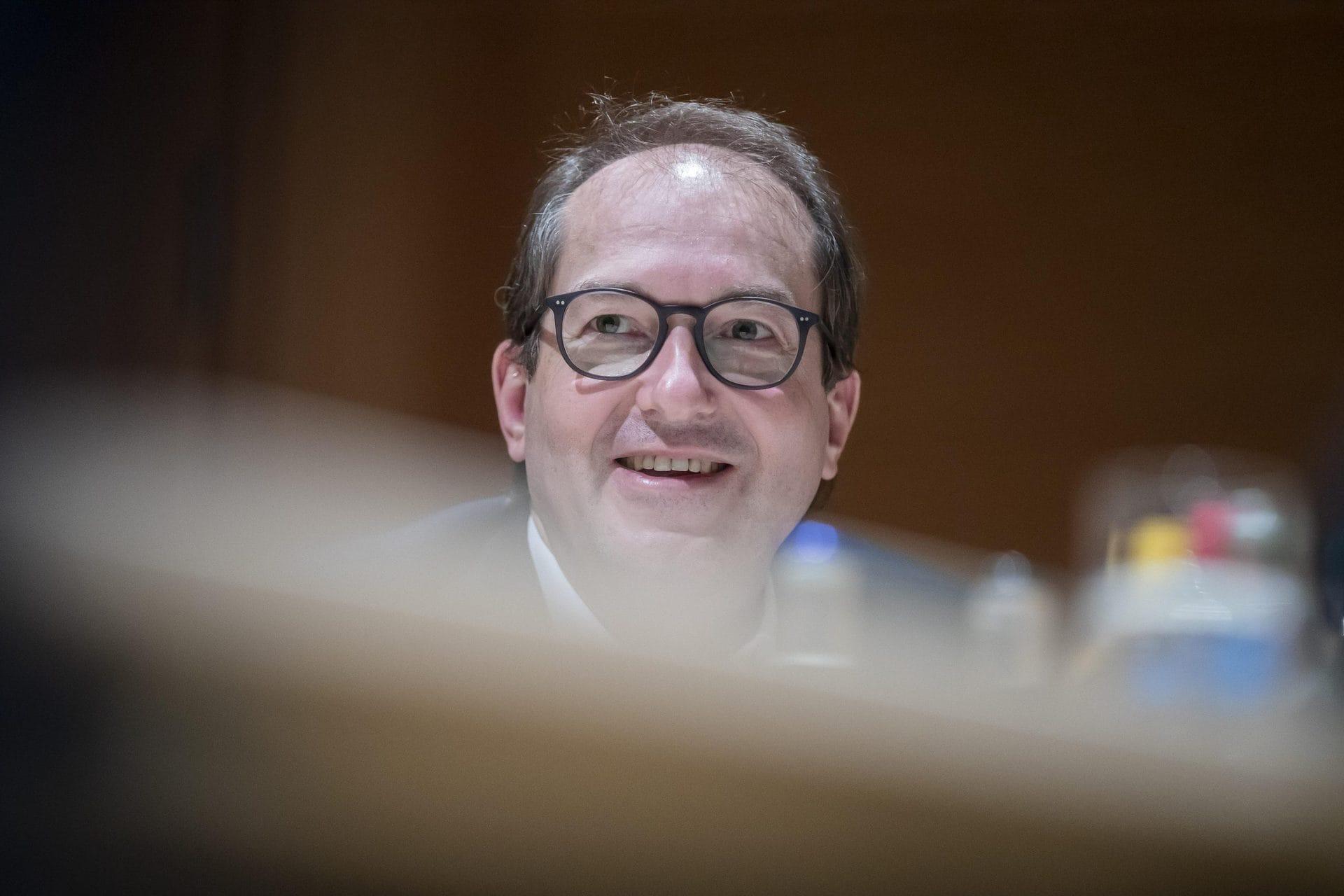 Dobrindt: Politik hat Vorbildfunktion gegen Impfskepsis CSU-Landesgruppenchef