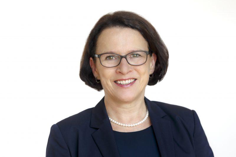 Neujahrsgruß der Regensburger Oberbürgermeisterin Gertrud Maltz-Schwarzfischer im Blizz