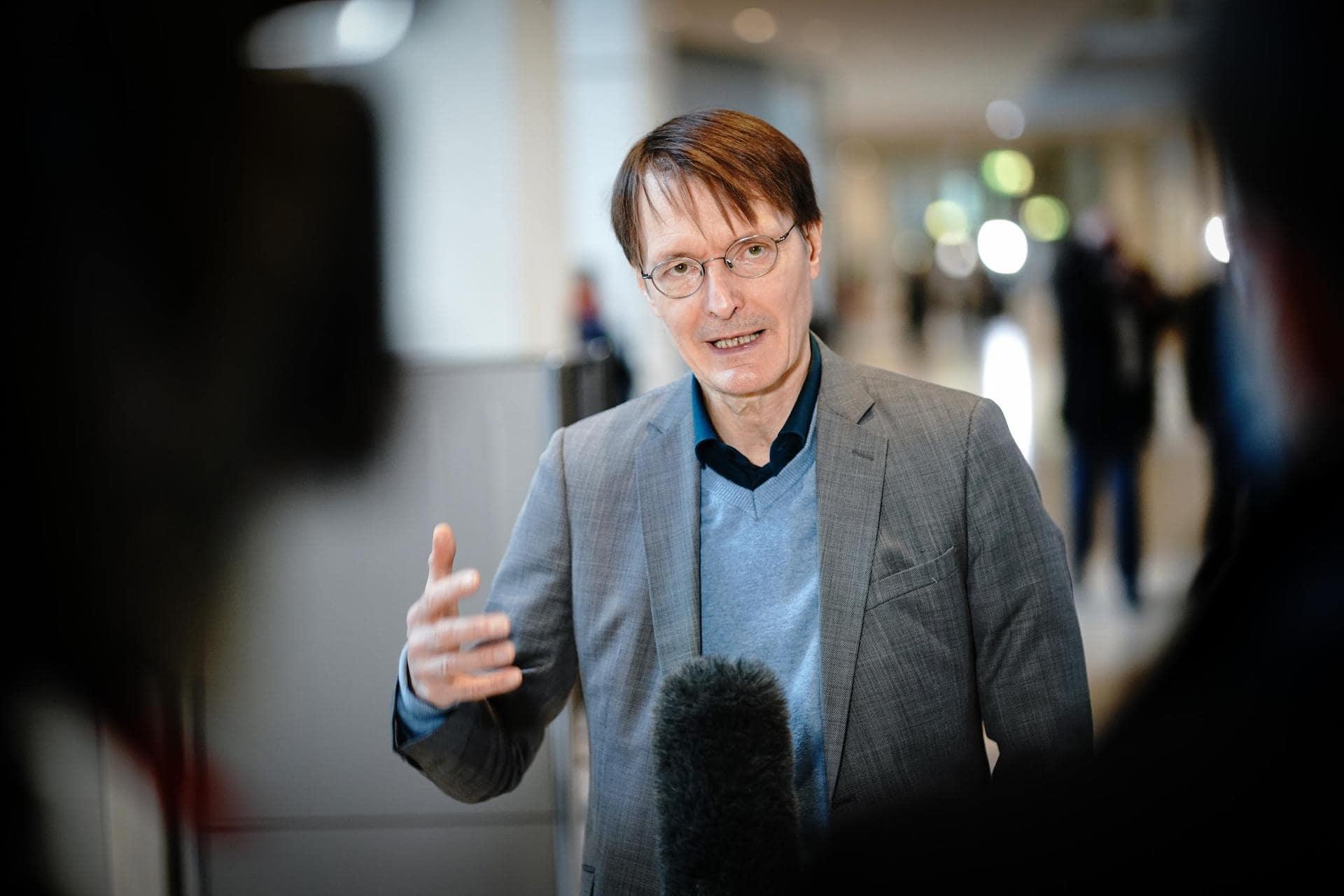 Lauterbach: Sportler beim Corona-Impfung nicht bevorzugen SPD-Gesundheitsexperte