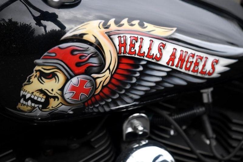 Das Hells Angels-Emblem ist zu sehen