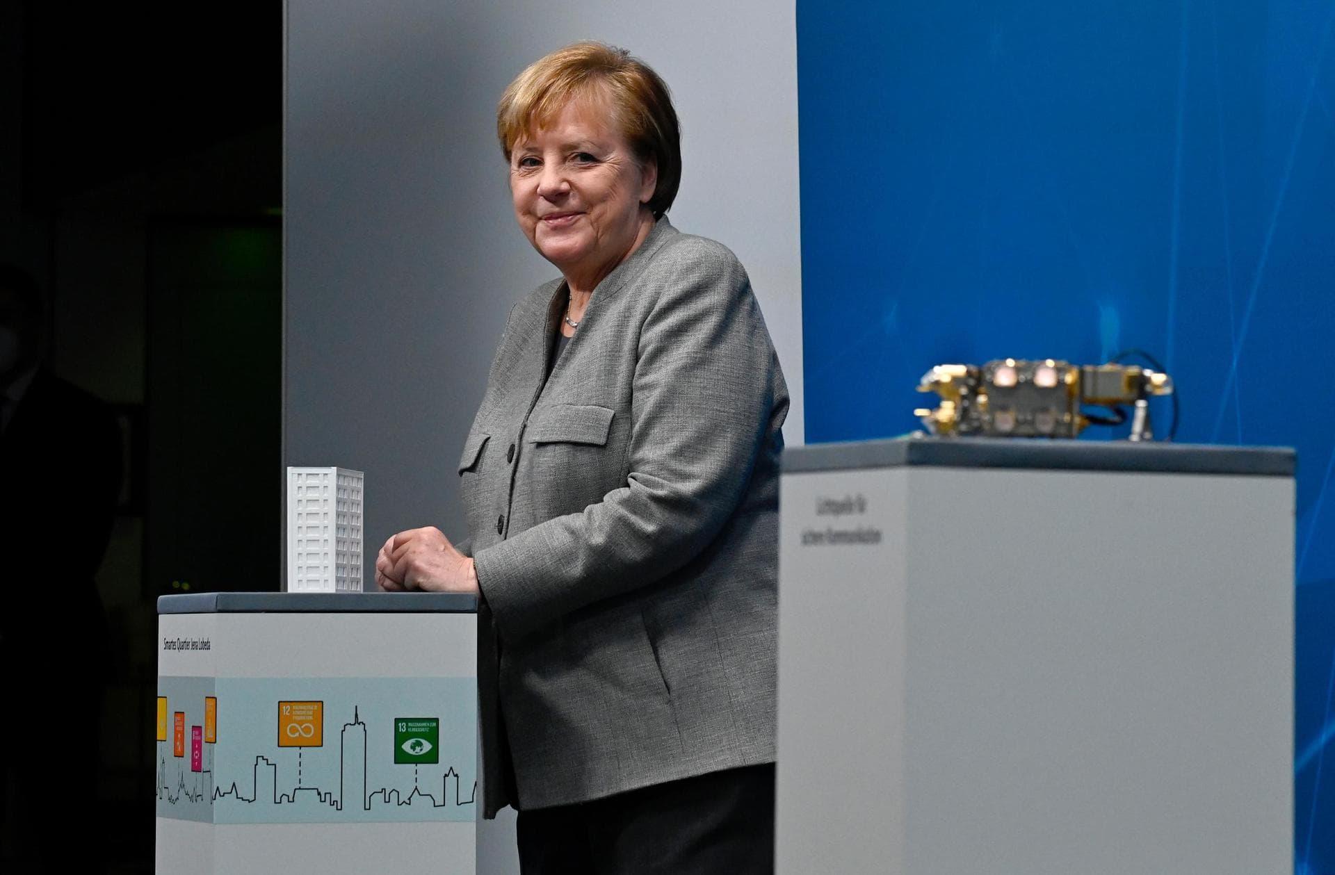 Merkel fordert mehr Tempo beim digitalen Wandel Online-Digitalgipfel