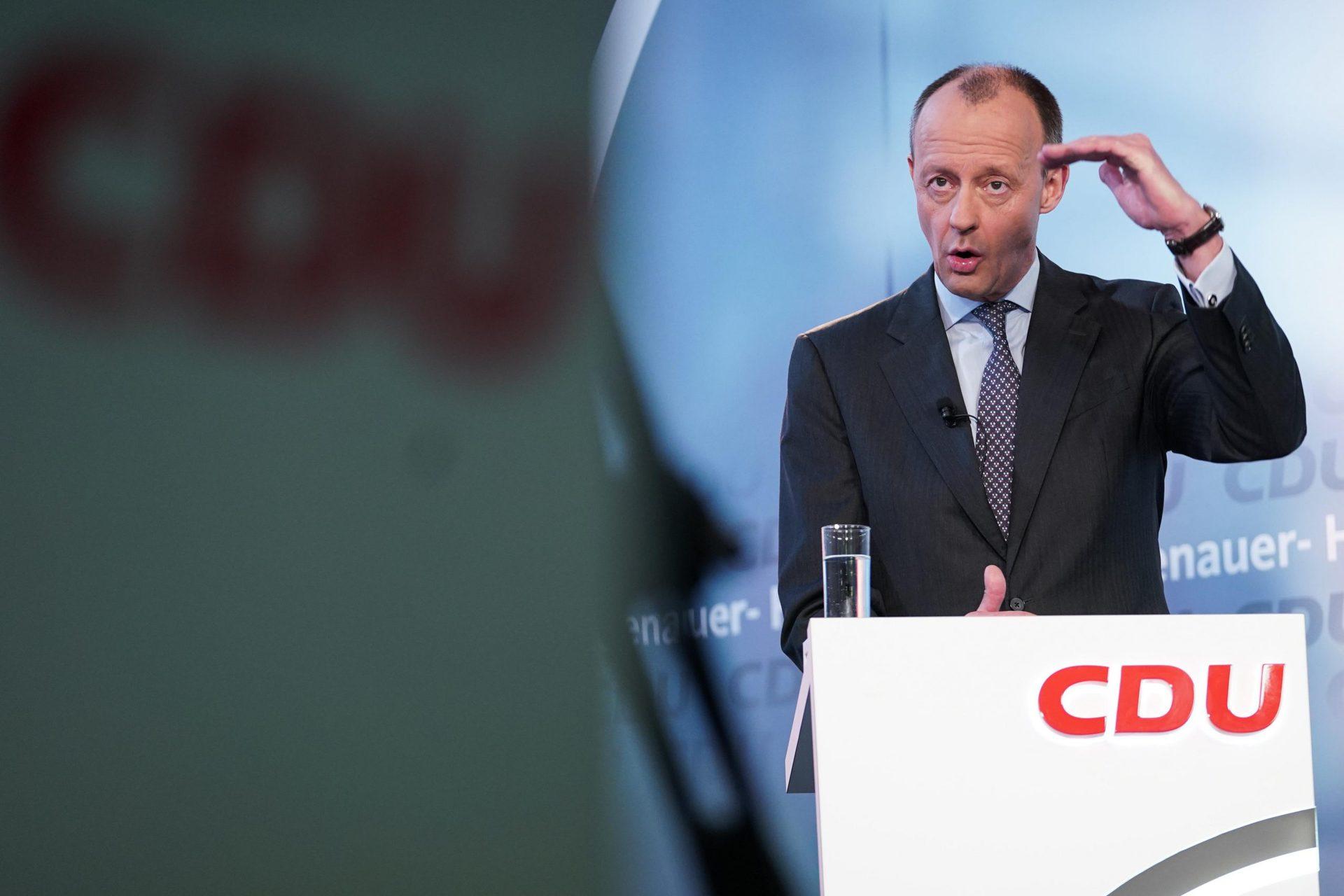 Merz: Müssen Impfskeptikern die Angst nehmen CDU-Politiker