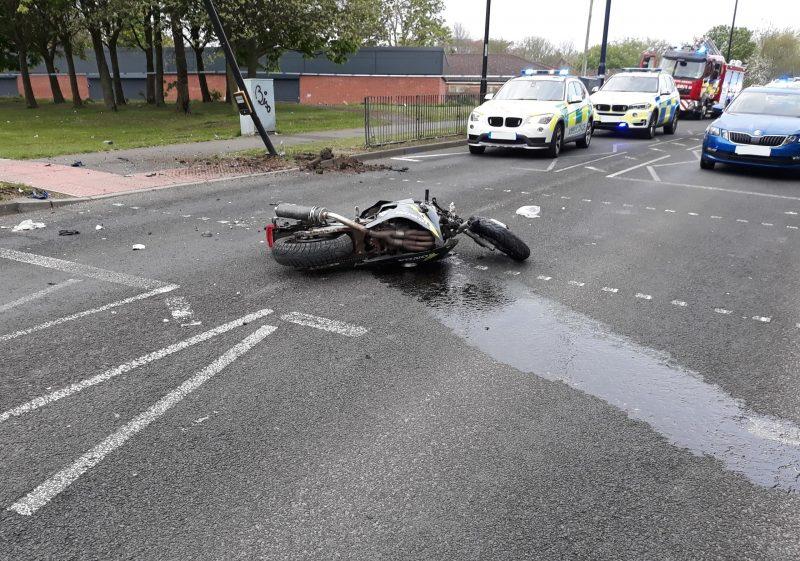 Motorraddiebe angefahren