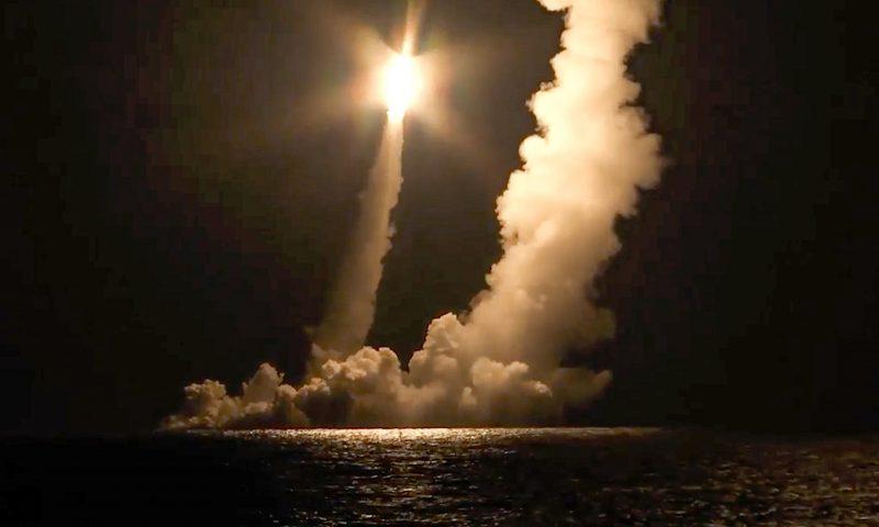Russisches Militär testet Interkontinentalraketen
