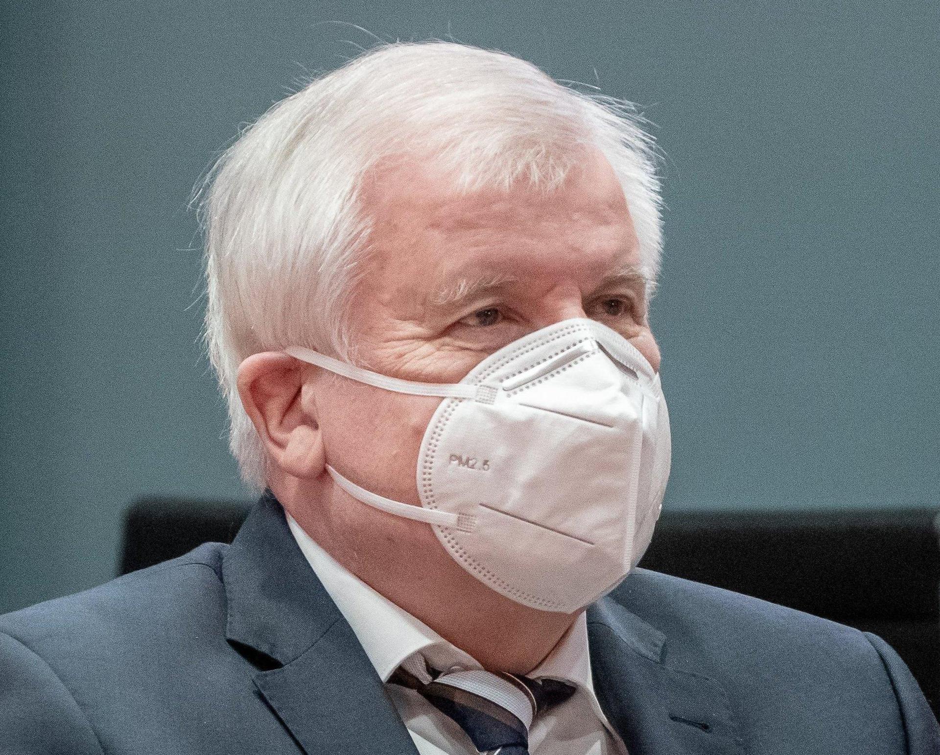 Seehofer warnte vor zu raschen Lockerungen «Sonst geht es wieder von vorne los»