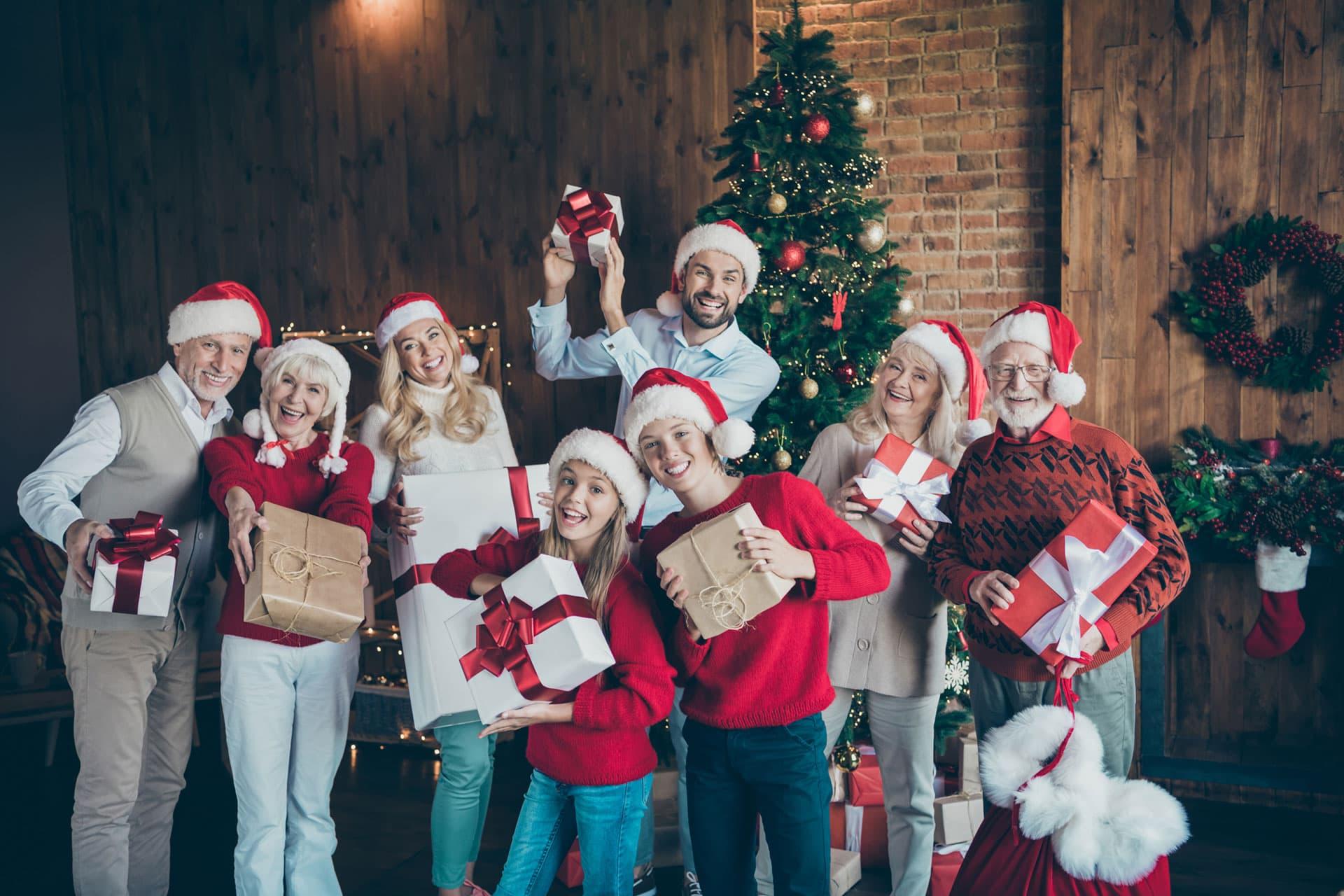 Weihnachtszeit: Zusammenkommen im großen oder kleinen Stil? Wie finden Sie das?