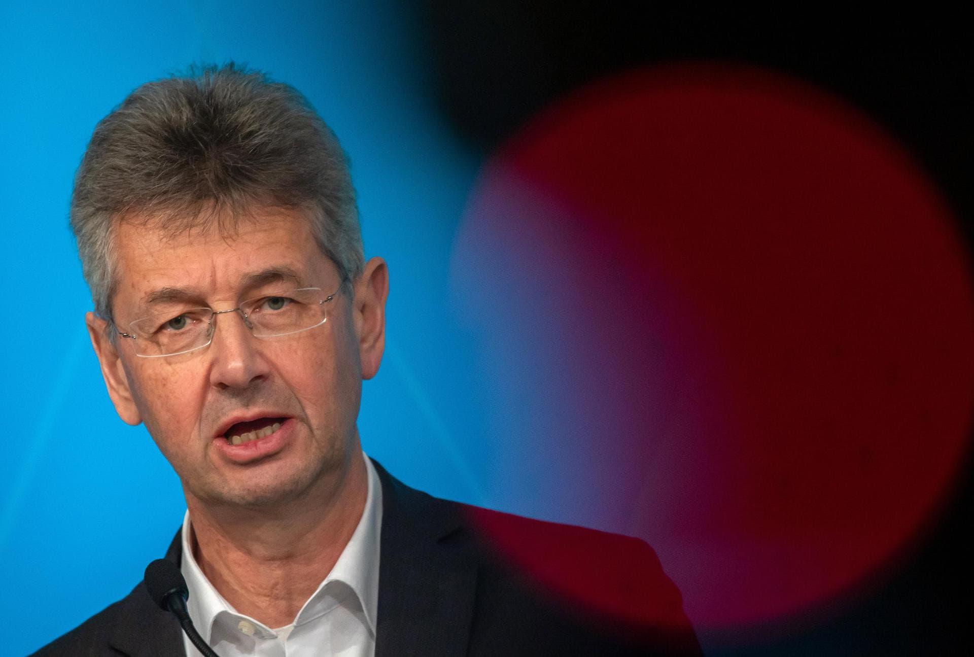 Bayern verschiebt alle Schulabschlussprüfungen Wegen Corona