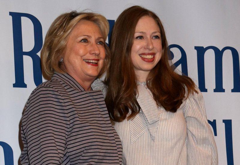 Mutige Frauen Hillary Clinton plant TV-Serie über Kämpferinnen
