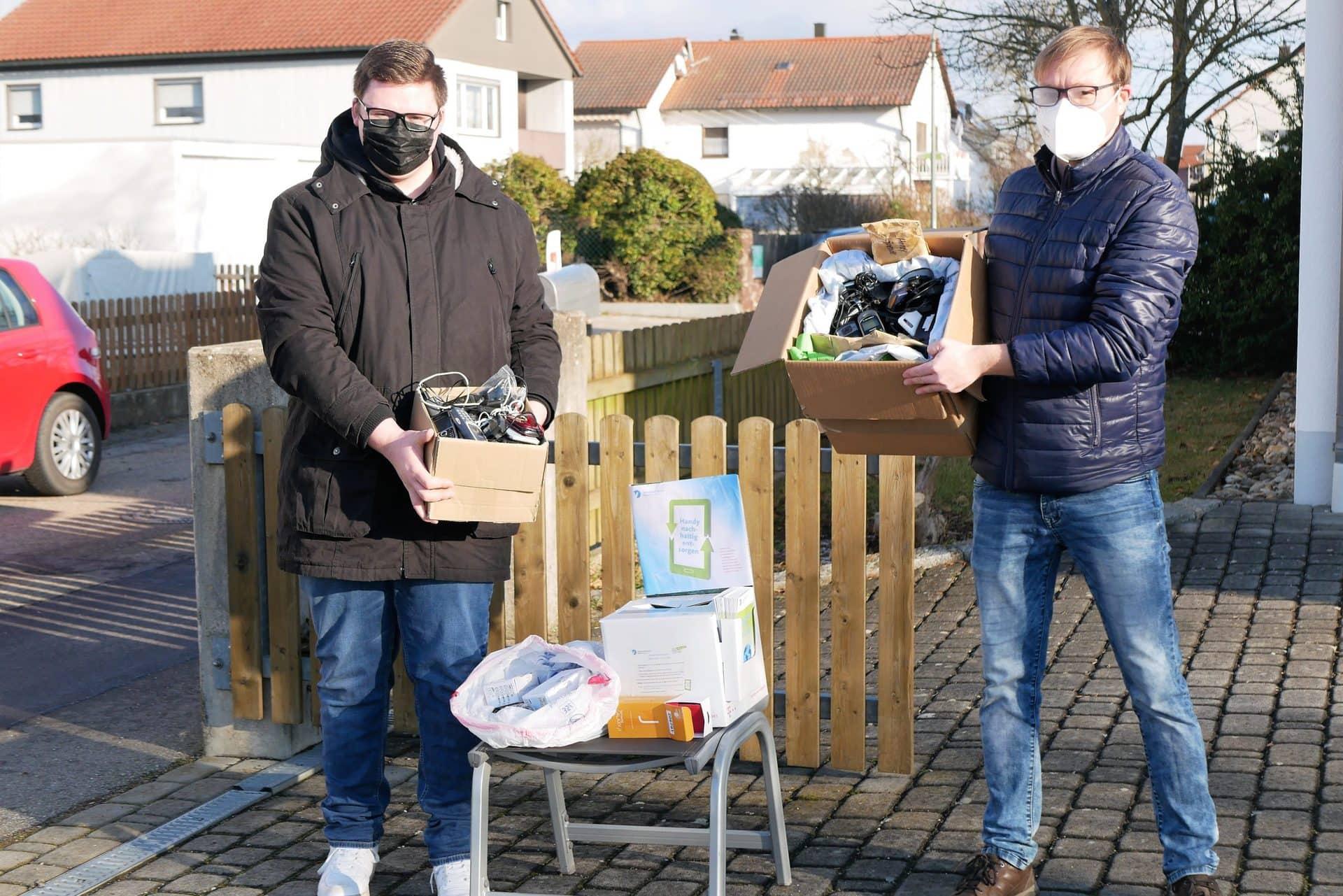 22 Kilogramm Handys für den guten Zweck Sammelaktion der KLJB Unterheising-Sarching