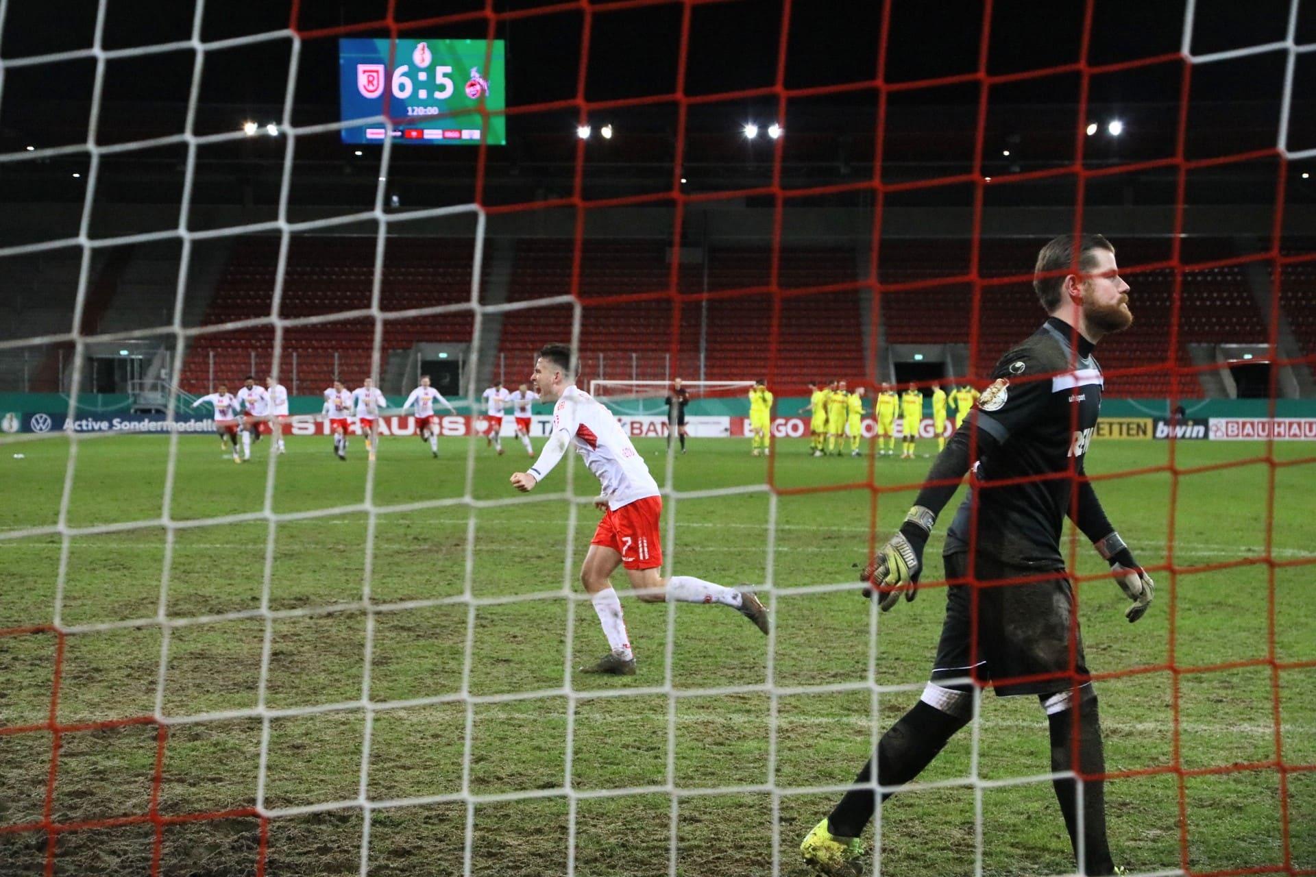 Die Jahn-Elf beweist Nerven aus Stahl! Am Sonntag gegen Karlsruhe muss die Mannschaft aber weiter am Ball bleiben