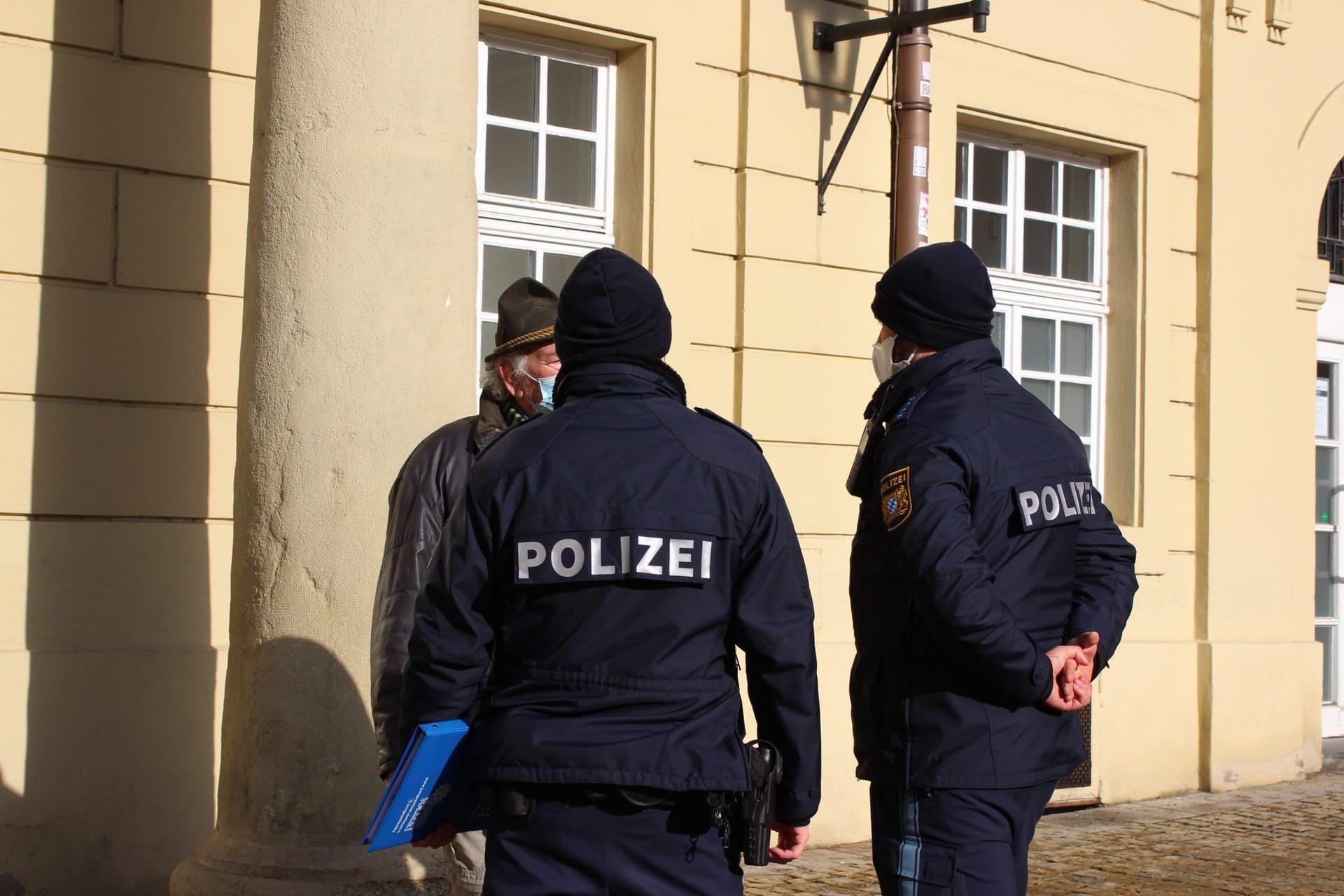 """""""Wir wollen Hilfsbereitschaft zeigen"""" Polizeipräsident der Oberpfalz Norbert Zink im großen Blizz-Interview"""