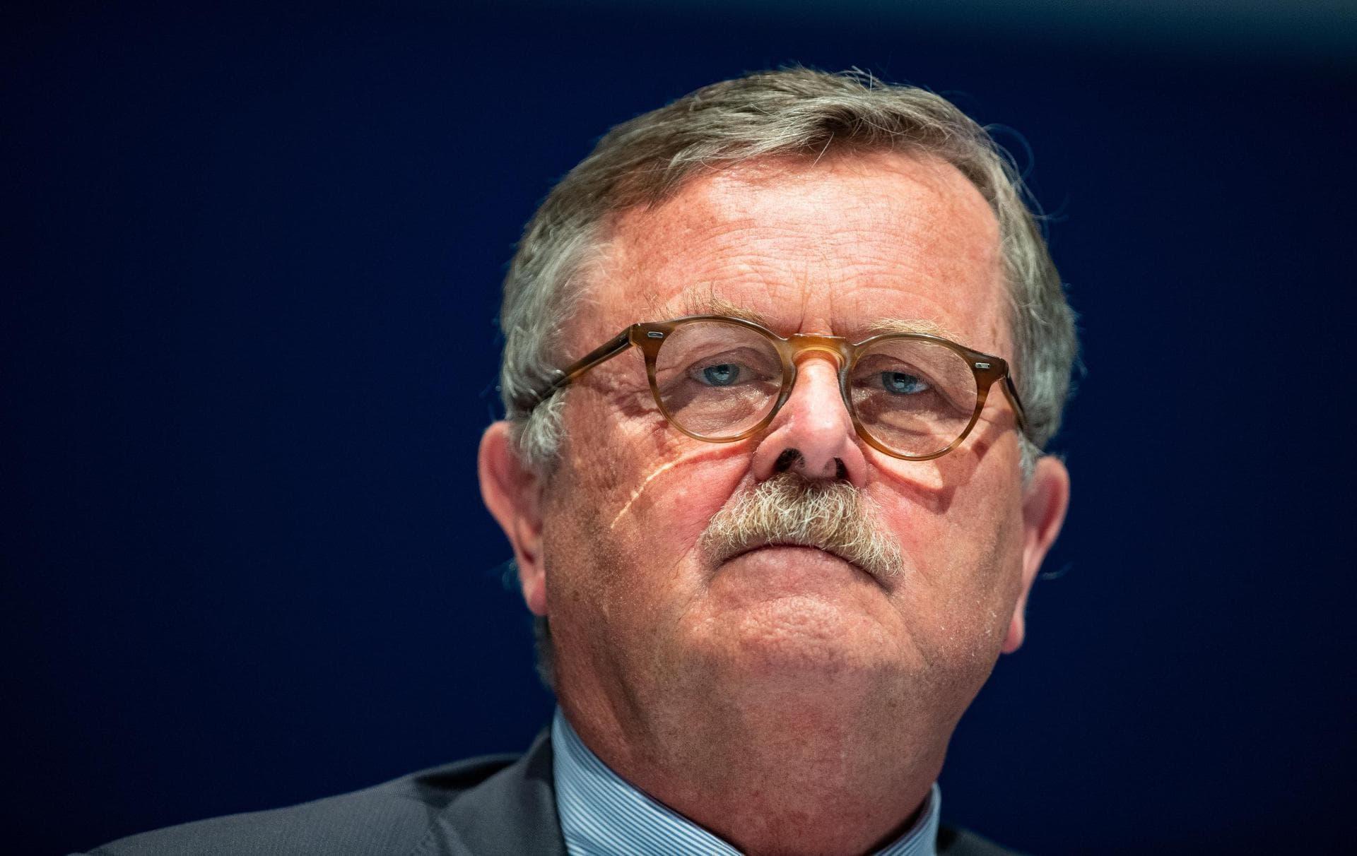 Vorsitzender des Weltärztebundes warnt vor Lockerungen Corona-Regeln und R-Wert