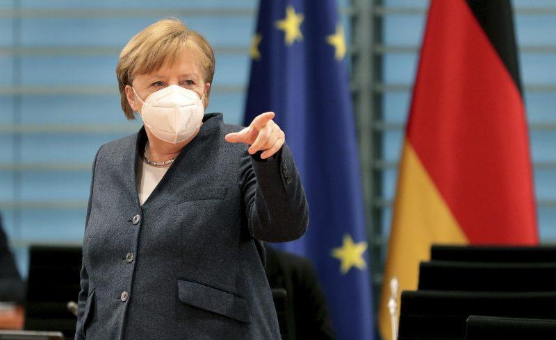 Kanzlerin Angela Merkel trifft sich mit den Länderchefs