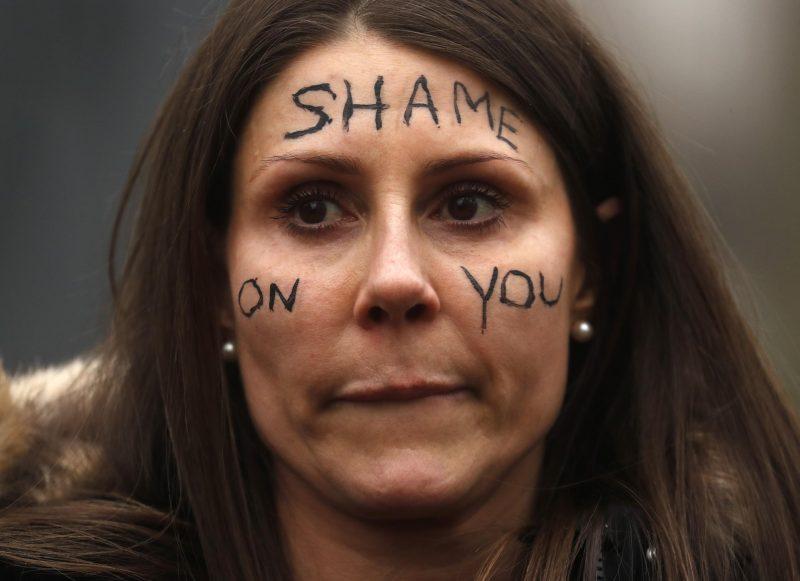 Boris Johnson nach Frauen-Protest in der Zwickmühle Umstrittener Polizeieinsatz in London