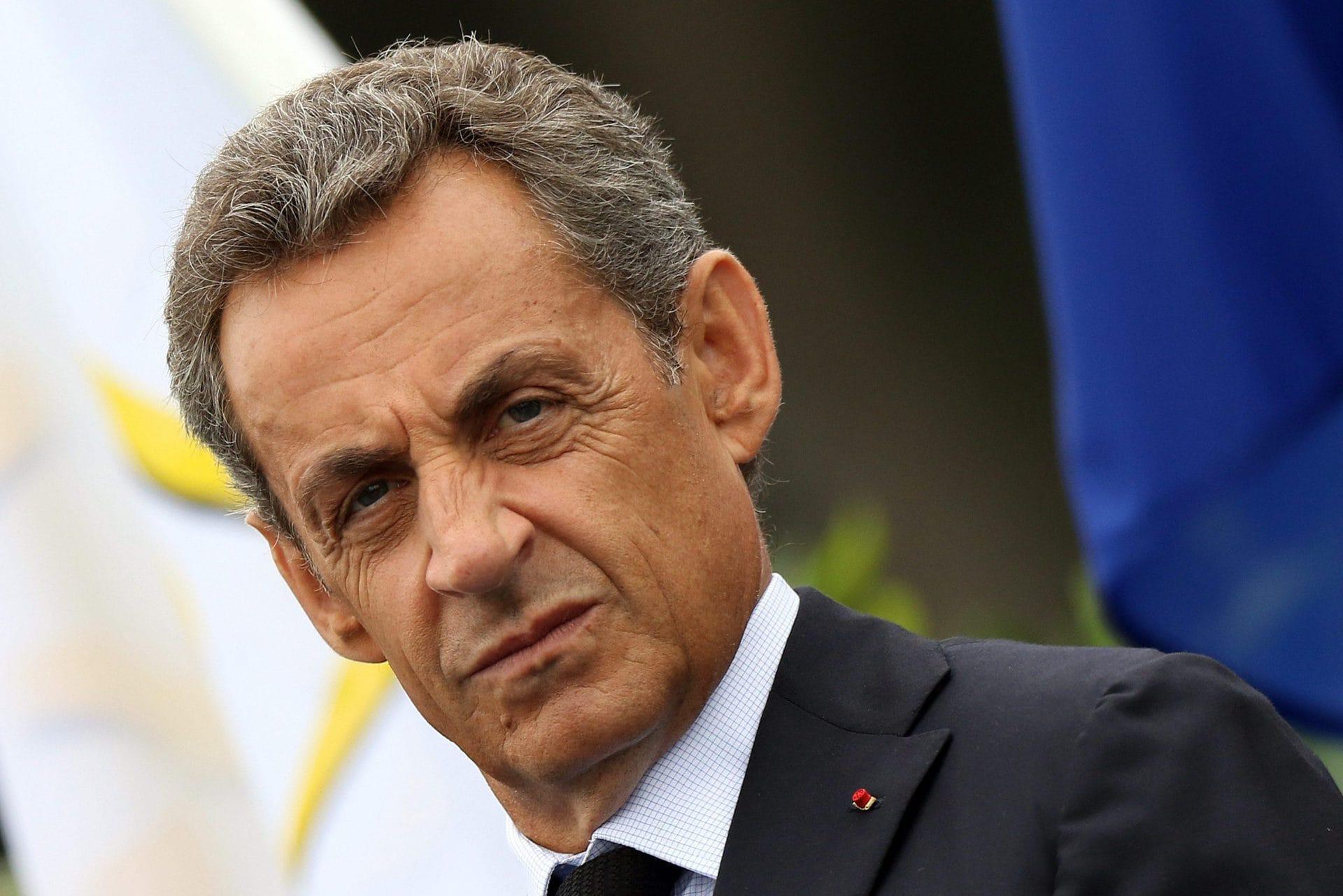Frankreichs Ex-Präsident Sarkozy zu Haft verurteilt Prozess wegen Bestechung