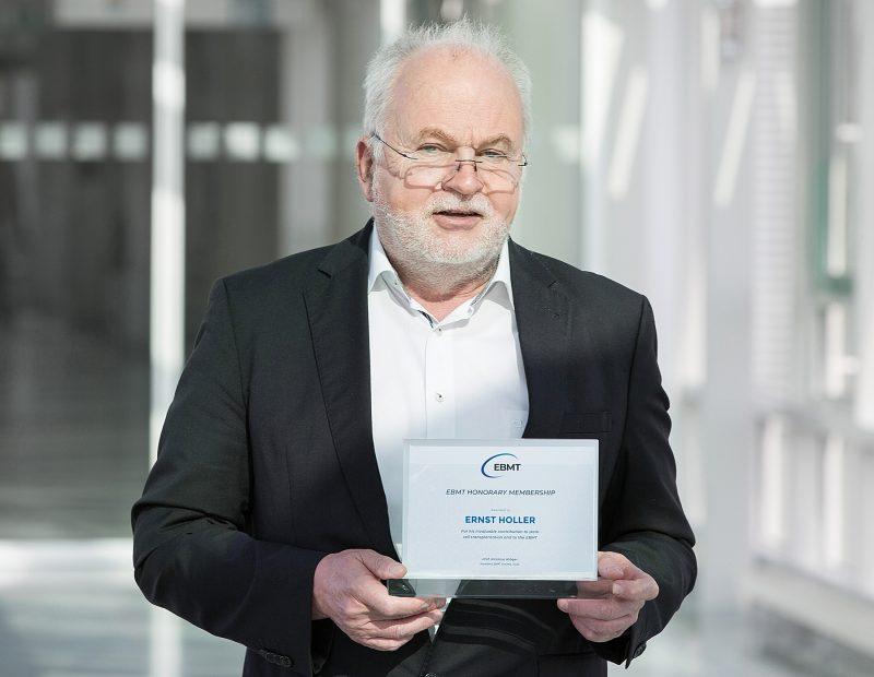Auszeichnung für Regensburger Dr. Ernst Holler