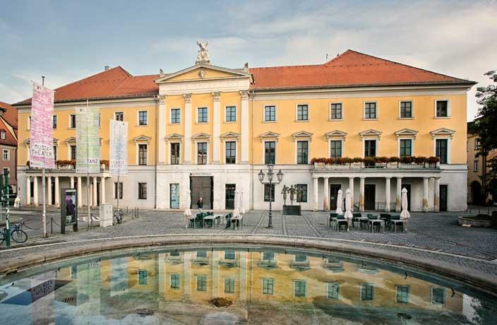 Theater Regensburg bleibt bis 30. April geschlossen Freilicht-Theater für Juni & Juli 2021 in Ostpark und Bayernhafen geplant