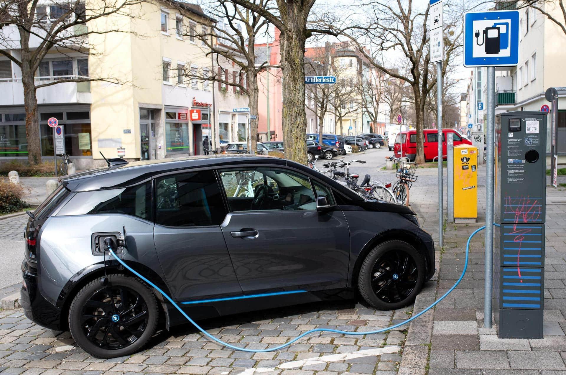 Bayern bei öffentlichen E-Ladepunkten bundesweit vorne E-Mobilität