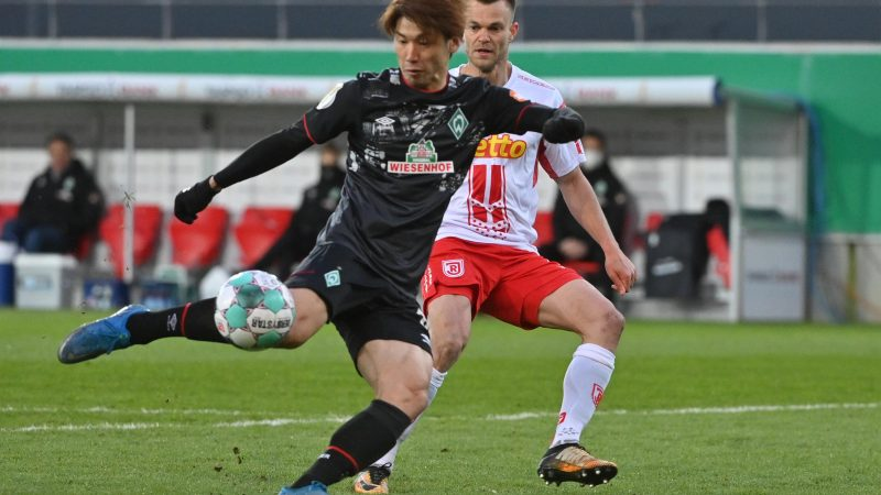 Yuya Osako gegen Benedikt Saller