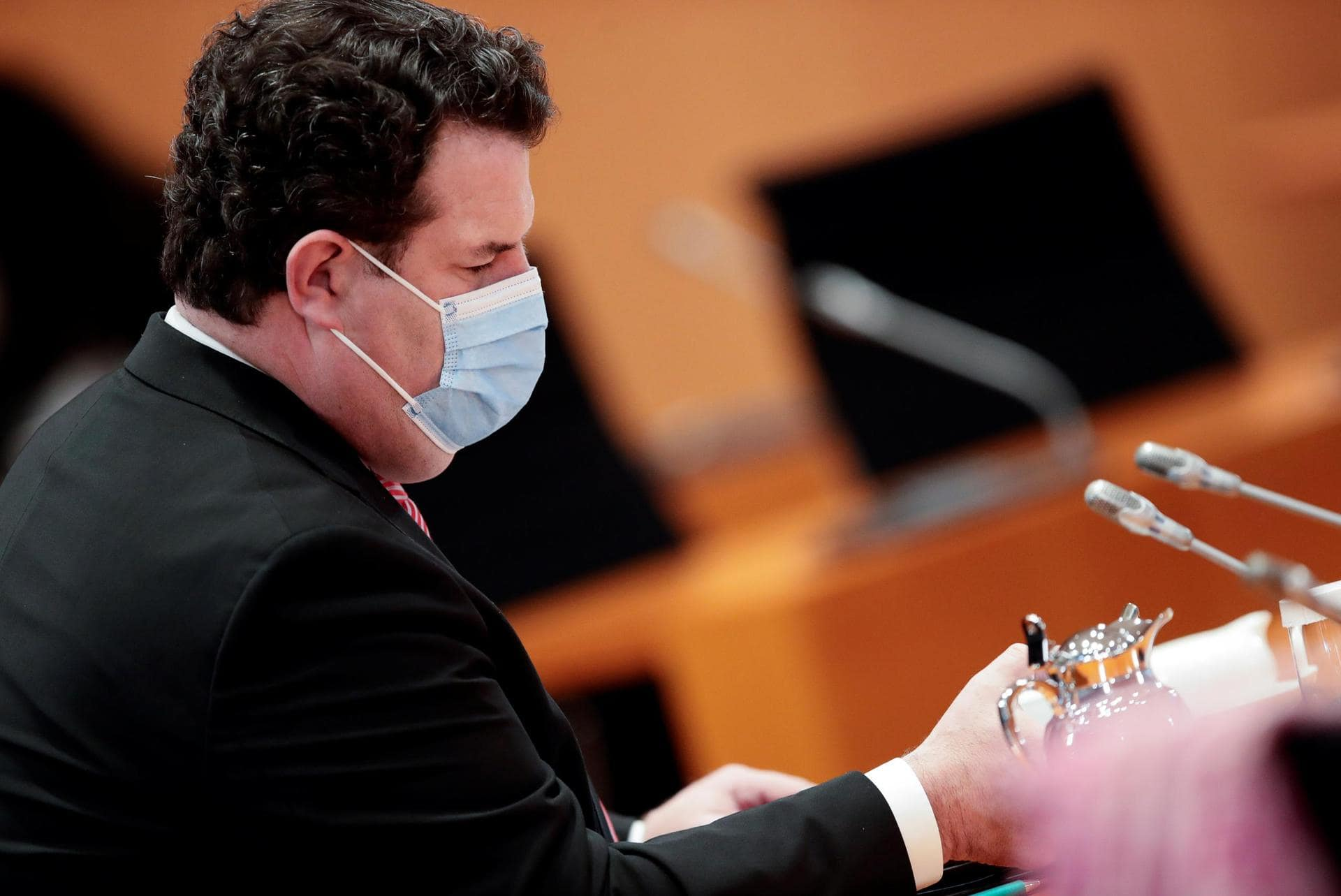 Firmen müssen Beschäftigten Coronatests anbieten Pandemie