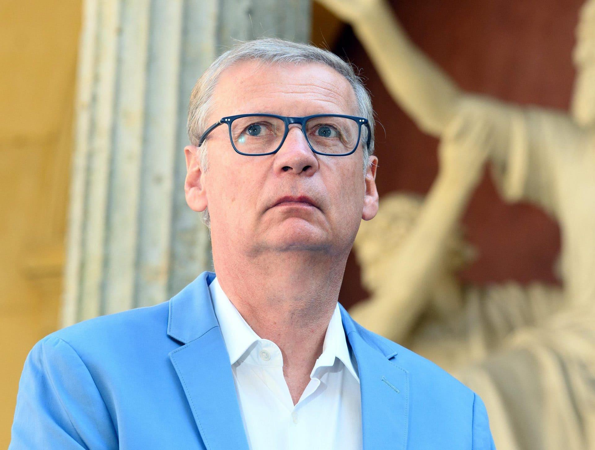 Günther Jauch mit Corona infiziert Pandemie