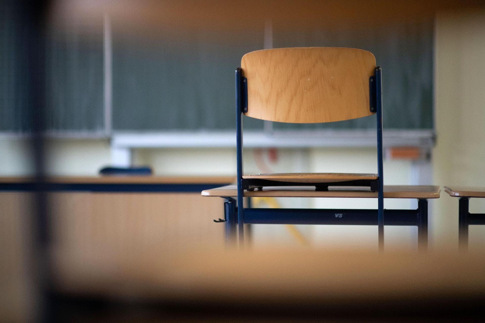 Länder beraten über Schule nach den Osterferien Dritte Corona-Welle