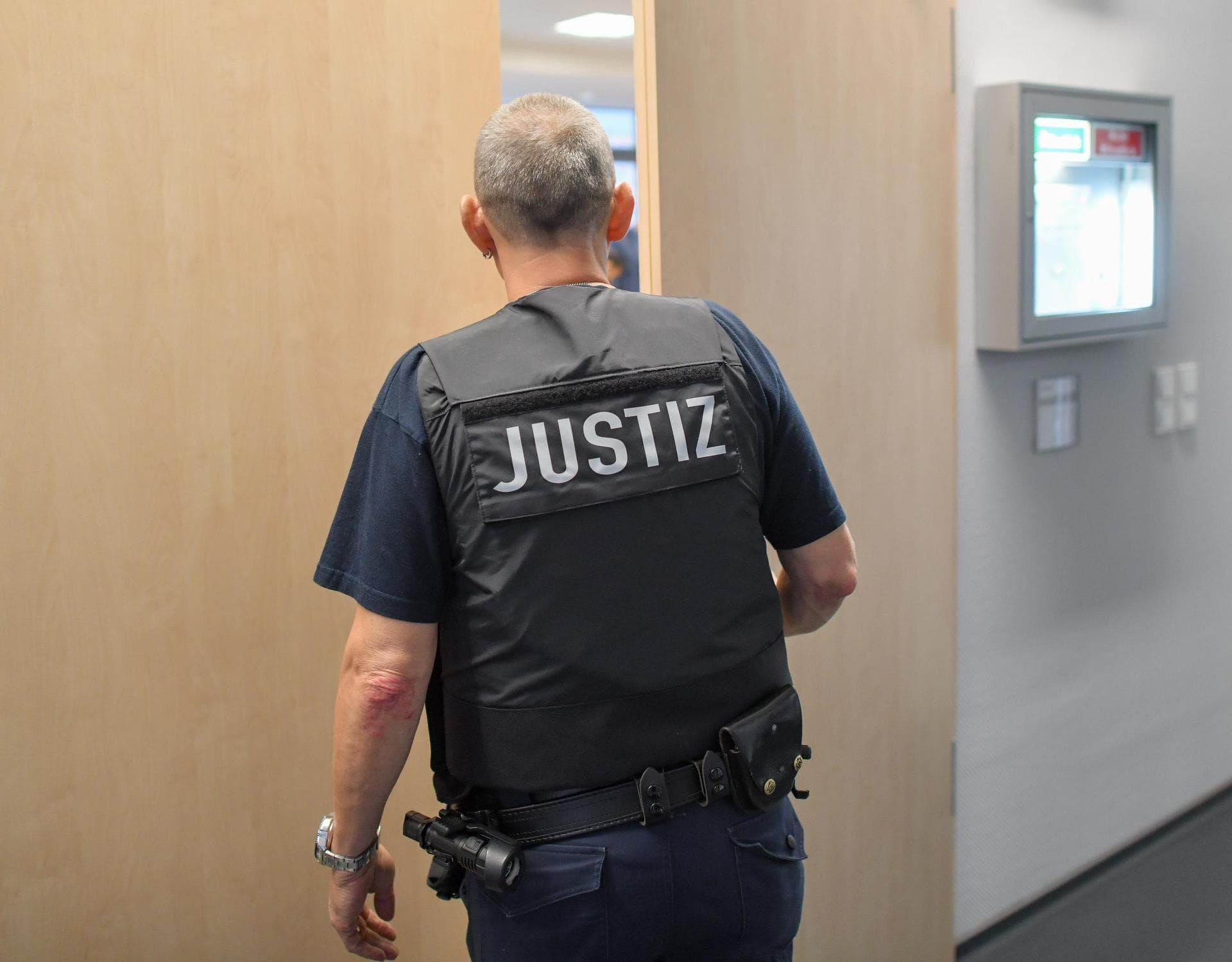 Mann nach Angriff auf SEK-Beamten verurteilt Landgericht Regensburg
