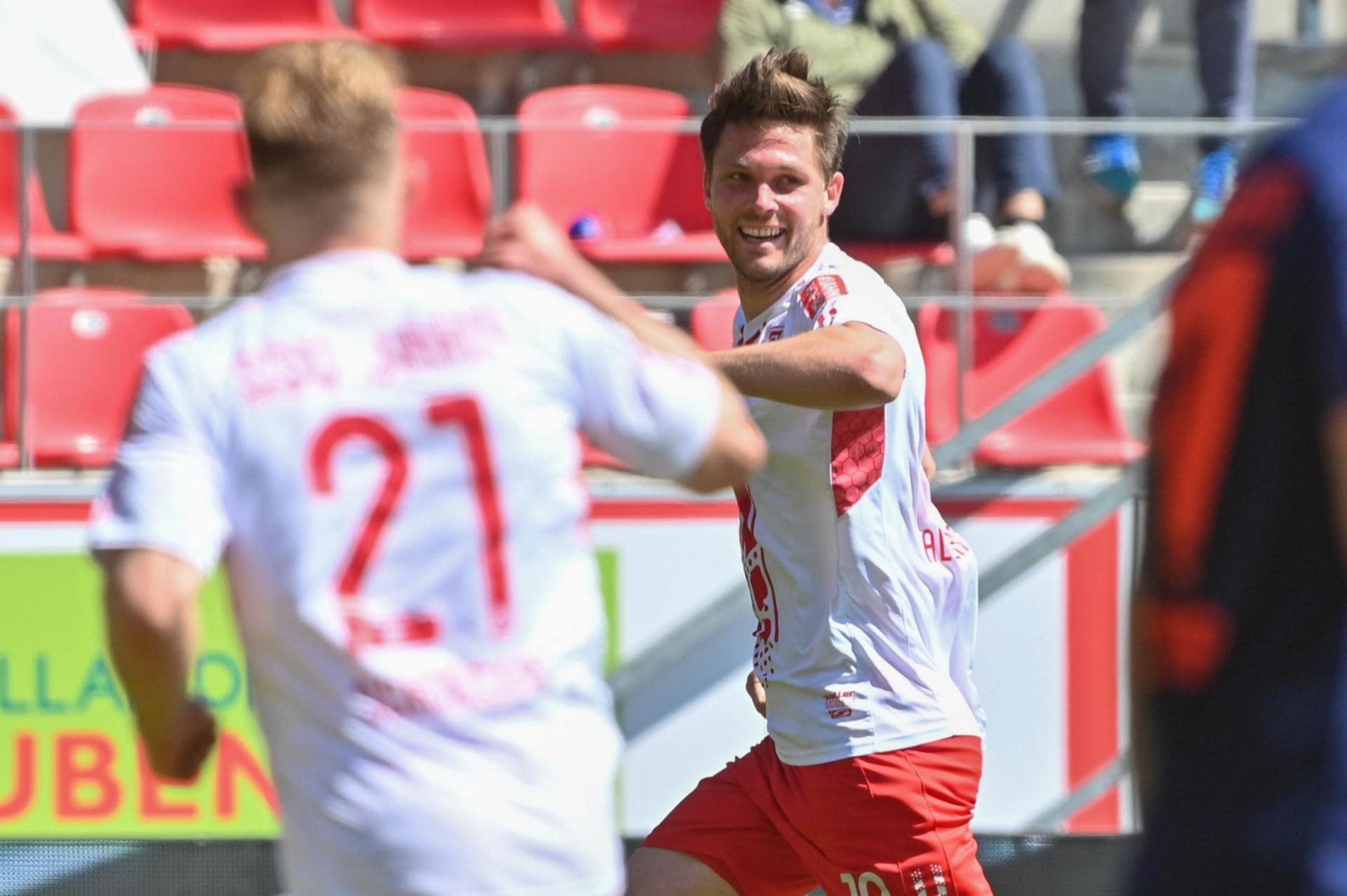 Regensburg mit intensivem 1:1 gegen HSV «Ein Riesenkampf»
