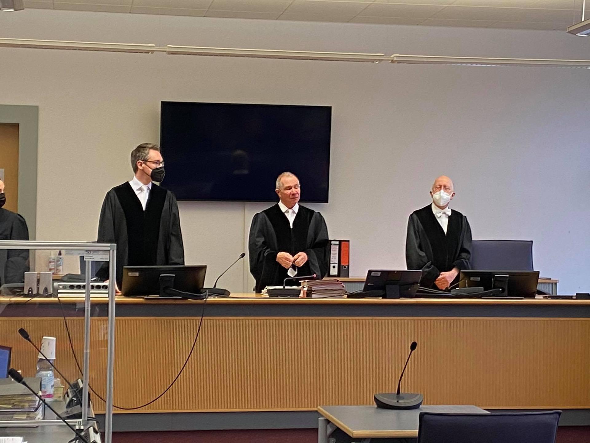 Schlegl soll von Scheinrechnungen gewusst haben Zweiter Prozesstag im Fall des Regensburger Ex-OB-Kandidaten