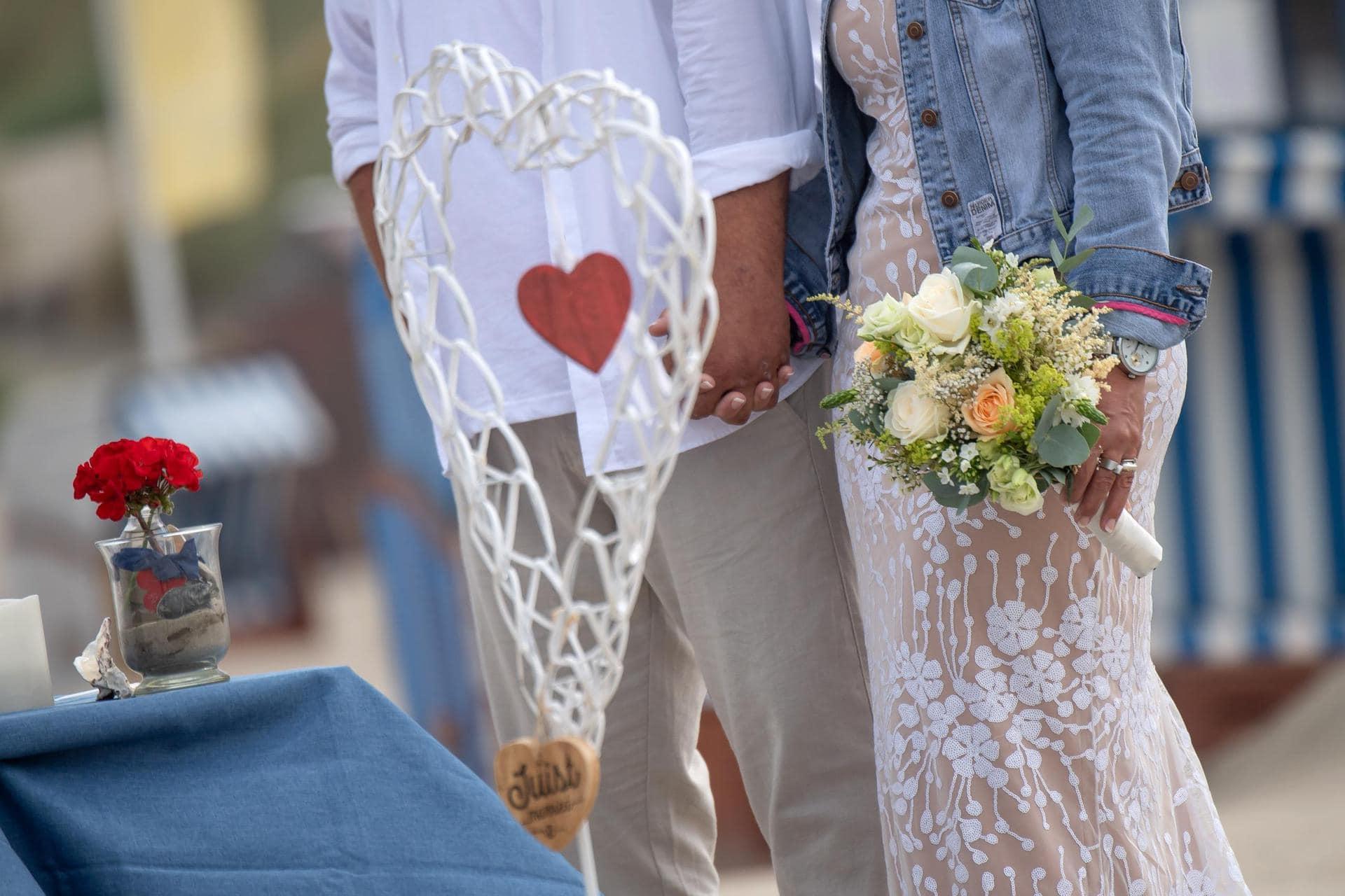 Statistik 2020: Mehr Sterbefälle, weniger Hochzeiten Statistisches Bundesamt