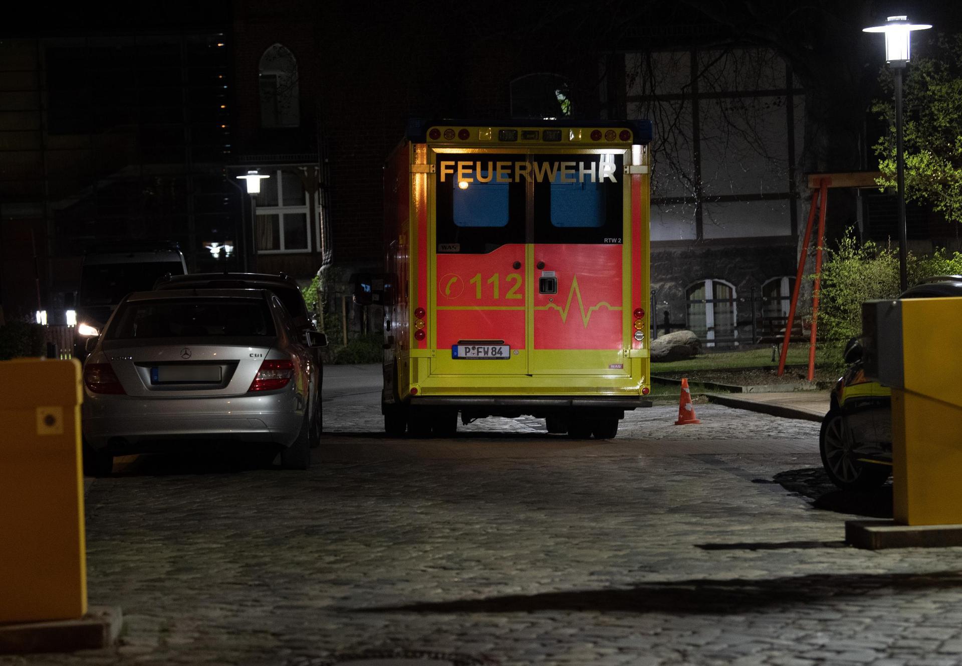Tödliche Gewalt in Potsdamer Klinik: Vier Menschen tot Mitarbeiterin festgenommen