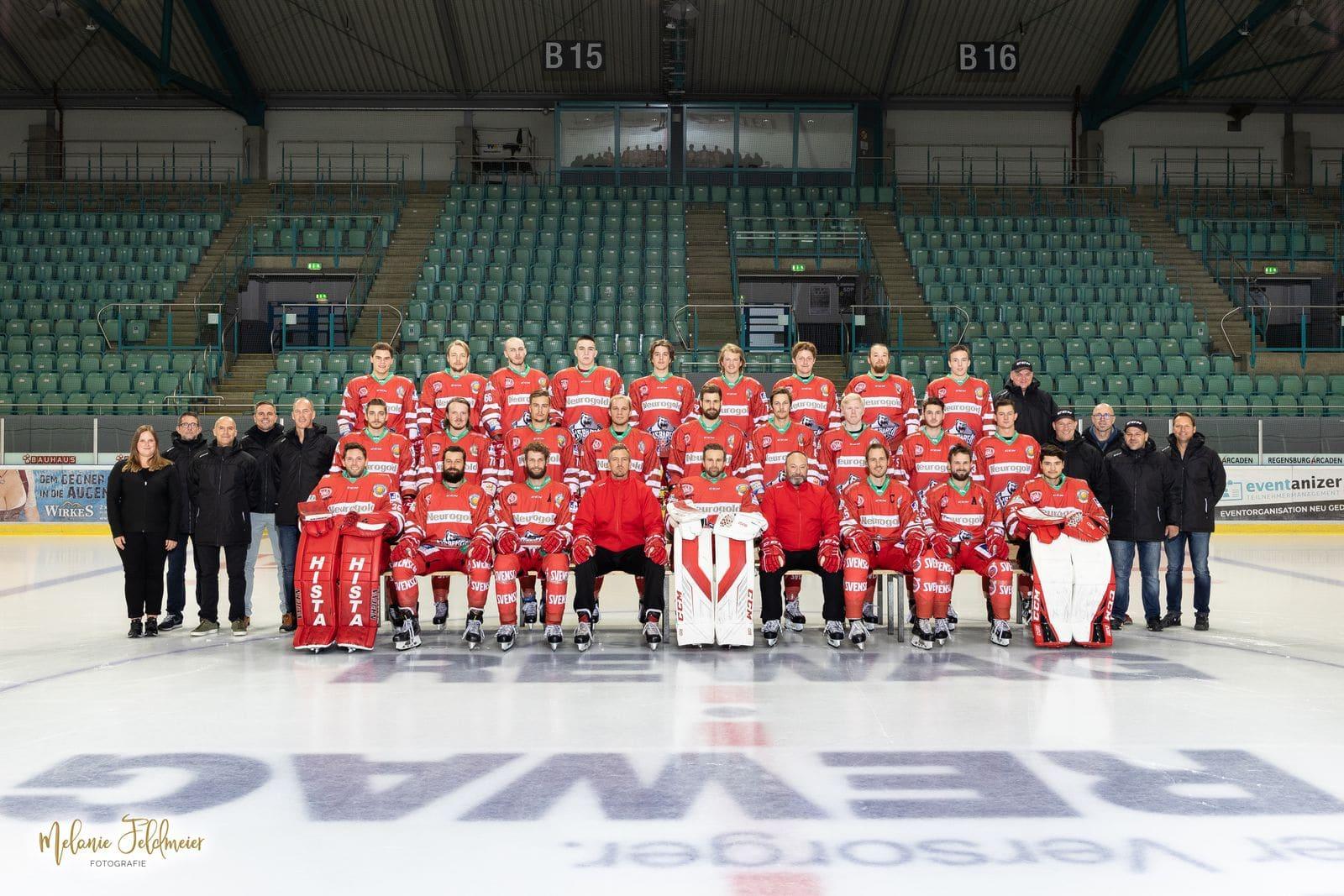 Die Eisbären treffen im Playoff-Finale auf die Wölfe Regensburger Eishockeyteam startet am Freitag gegen Selb in die Best-of-Five-Serie