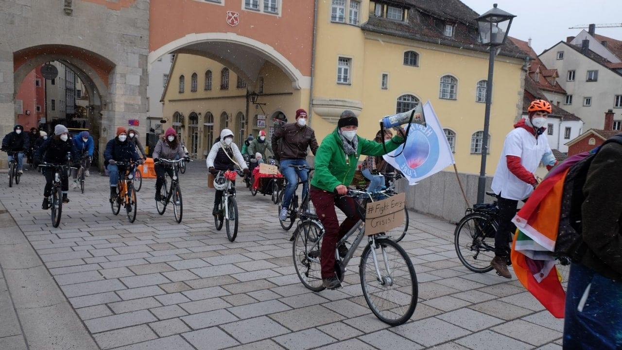 """""""Wir werden nicht aufhören, bis die Politik verstanden hat"""" Regensburger Fridays For Futur-Bewegung zurück auf der Straße"""